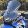 Plexi Ztechnikpro BMW F650GS/Dakar 2000-2003je tvarované pro lepší proudění vzduchu. Extrémně odolné proti poškrábání. Vyrobeno z 4,5mm tvrzenéhopolykarbonátu, který minimálně zkresluje při pohledu skrz. Homologováno. Pro montáž potřebujete mít na motorce držák BMW (číslo dílu71607653849) Výška: 45,7 cm Šířka: 39,4cm Barva:čirá